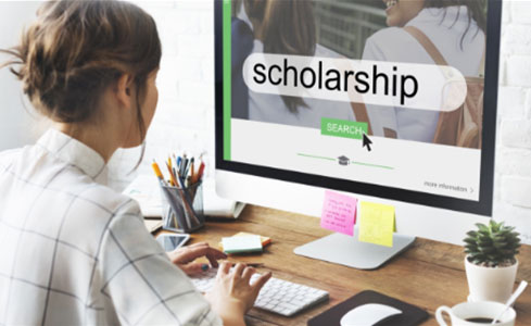 Find scholarships in the UK